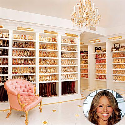 Mariah Carey  Kıyafetler bir yana bir ayakkabı şatosunun sahibi olan Mariah Carey, 2500 ayakkabısını renklerine, markasına göre, hepsini görebilecek şekilde düzenletmiş.